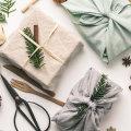 Eco-friendly zamatanje poklona