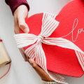 Ovog Valentinova zamotaj poklon s ljubavlju