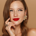 Vrijeme je da prestaneš skrivati svoje pjegice i naučiš kako ih najbolje istaknuti šminkom